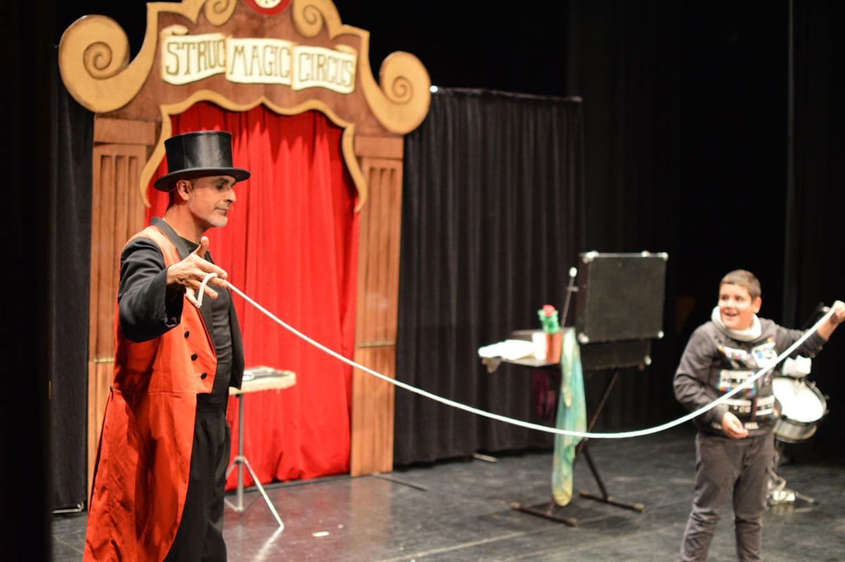 Struc-magic-circus-mago